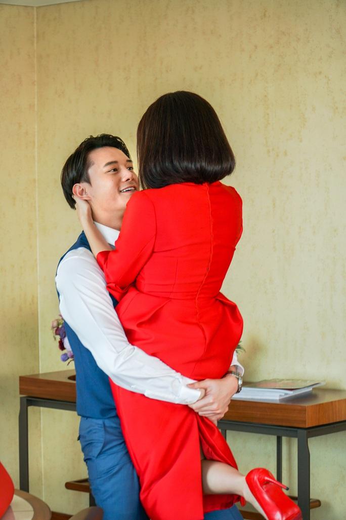 """Kaity Nguyễn chia sẻ việc đóng cảnh nóng cùng """"phi công trẻ"""" - Ảnh 8."""