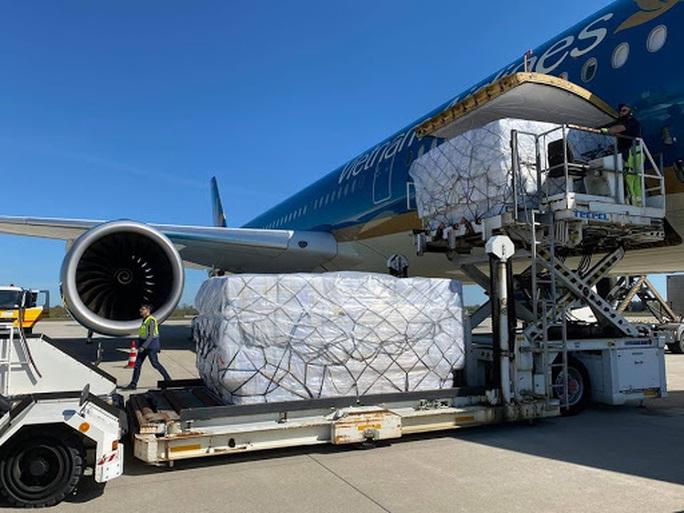 Vietnam Airlines đề xuất vận chuyển vắc-xin Covid-19 về Việt Nam - Ảnh 1.