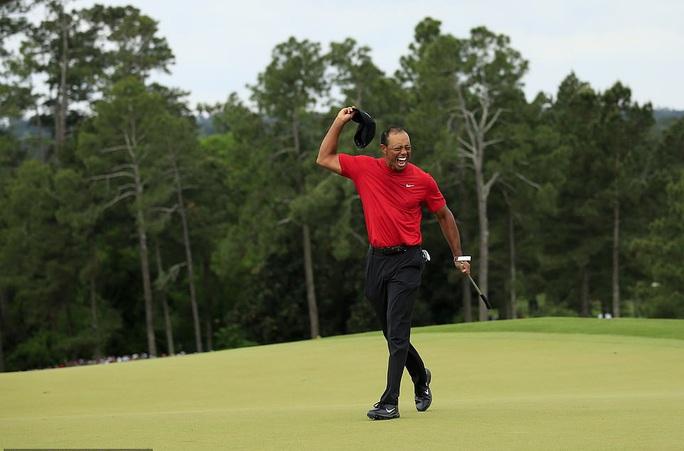 Siêu sao Tiger Woods thoát chết sau màn lật xe kinh hoàng - Ảnh 5.