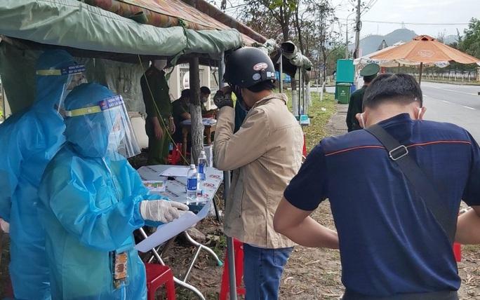 Đà Nẵng phạt 7,5 triệu đồng thanh niên quê Hải Dương không chịu xét nghiệm Covid-19 - Ảnh 1.