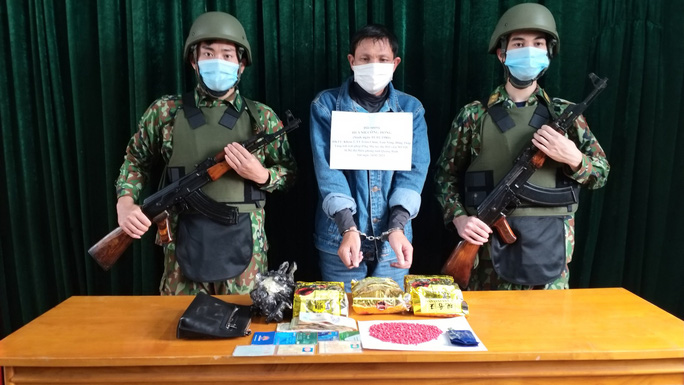 Bắt quả tang ông Trùm buôn 3kg ma túy đá ở Quảng Bình - Ảnh 2.