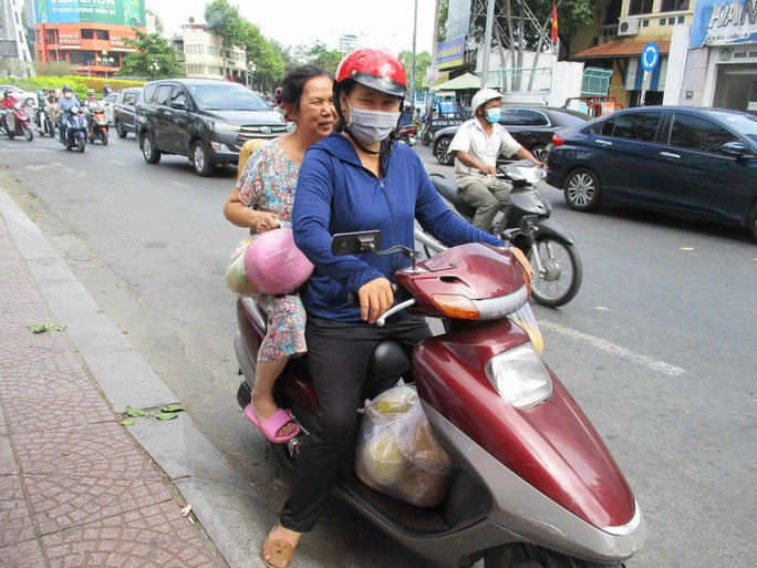 Ho Chi Minh City people rescue specialty peach grapefruit at the price of 15,000 VND / kg - Photo 3.