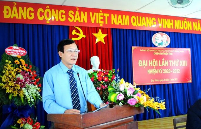 Đang xem xét kỷ luật cán bộ, Giám đốc Sở VH-TT Bình Định bị giang hồ đến nhà đe dọa - Ảnh 1.
