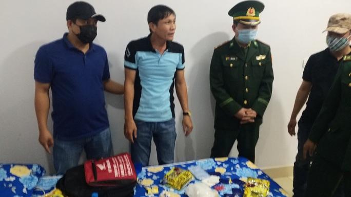 Bắt quả tang ông Trùm buôn 3kg ma túy đá ở Quảng Bình - Ảnh 1.