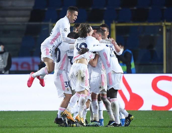 Hậu vệ ghi bàn, Real Madrid thoát hiểm trước bẫy rập Atalanta - Ảnh 5.