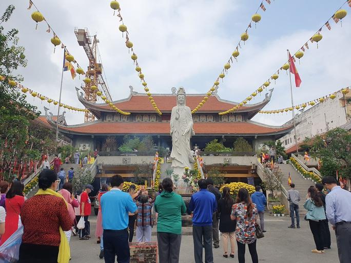 Cận cảnh viếng chùa Vĩnh Nghiêm, Việt Nam Quốc Tự, Phước Hải rằm tháng Giêng - Ảnh 1.