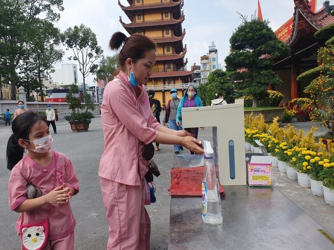 Cận cảnh viếng chùa Vĩnh Nghiêm, Việt Nam Quốc Tự, Phước Hải rằm tháng Giêng - Ảnh 11.