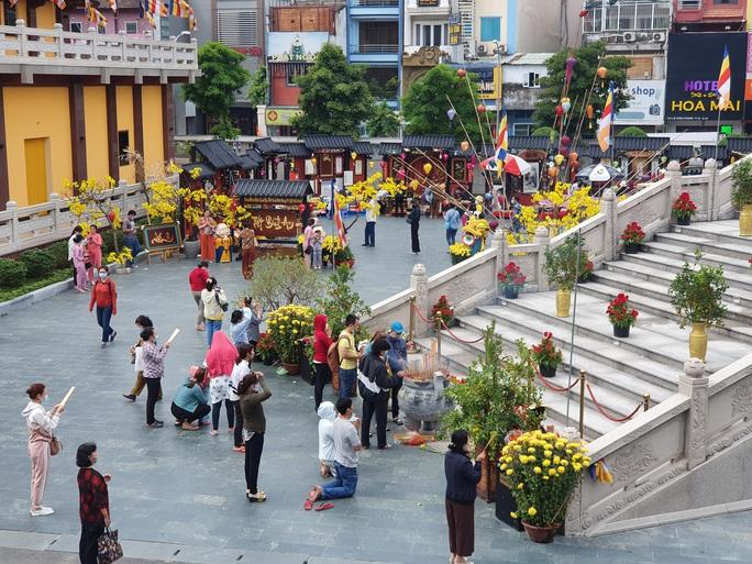 Cận cảnh viếng chùa Vĩnh Nghiêm, Việt Nam Quốc Tự, Phước Hải rằm tháng Giêng - Ảnh 10.