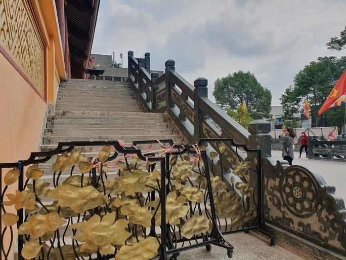 Cận cảnh viếng chùa Vĩnh Nghiêm, Việt Nam Quốc Tự, Phước Hải rằm tháng Giêng - Ảnh 13.