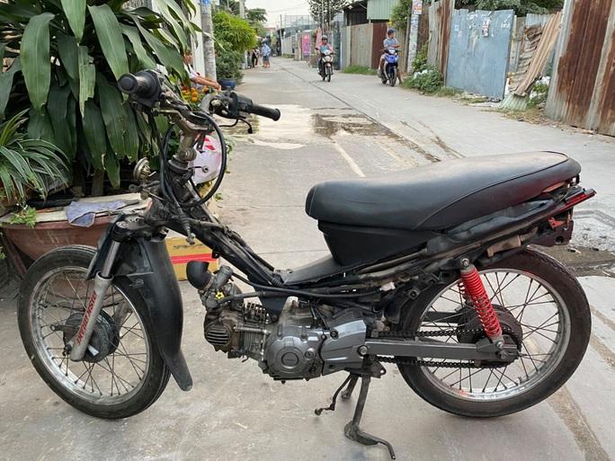 CLIP: Thực nghiệm hiện trường vụ cướp giật khiến 2 người thiệt mạng ở quận Tân Phú - Ảnh 3.