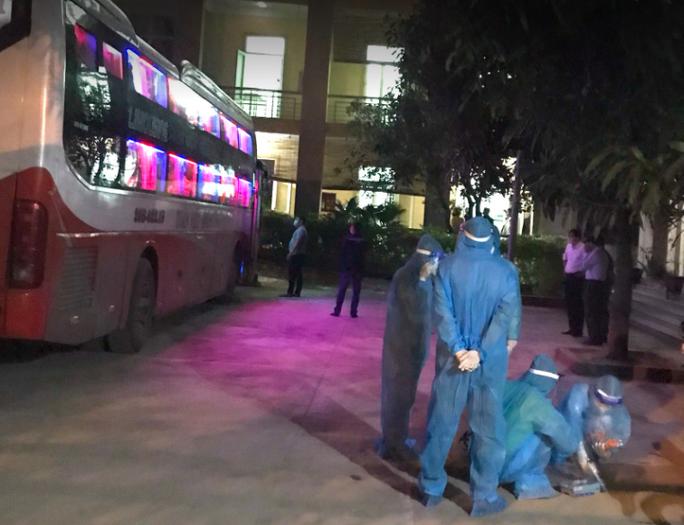 Kết quả xét nghiệm 7 người Trung Quốc nhập cảnh trái phép đi trên xe khách - Ảnh 1.