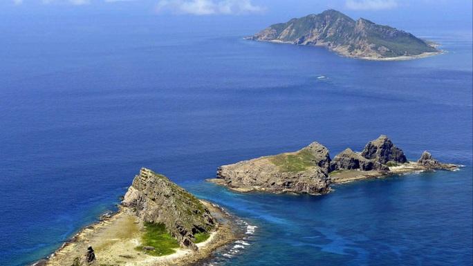Tàu Trung Quốc lấn vào Senkaku/Điếu Ngư, Nhật Bản tính đến nổ súng trực tiếp - Ảnh 1.