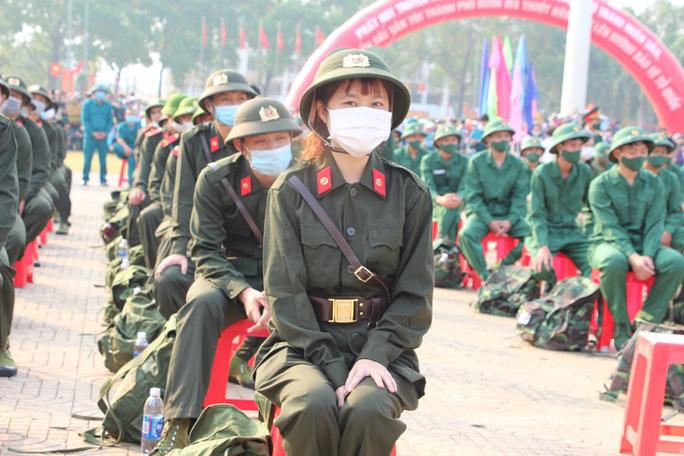 Nữ tân binh: Nghĩa vụ bảo vệ Tổ quốc không chỉ của riêng nam giới - Ảnh 3.