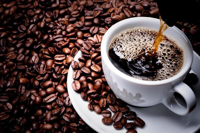 Uống cà phê pha phin, coi chừng... cholesterol xấu - Ảnh 1.