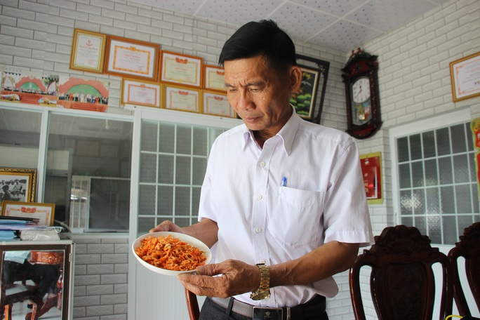 Thưởng thức 4 đặc sản ở Cà Mau lọt tốp món ăn, quà tặng ngon nhất Việt Nam - Ảnh 11.