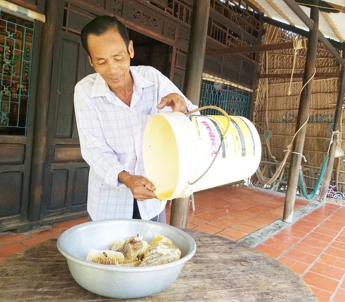 Thưởng thức 4 đặc sản ở Cà Mau lọt tốp món ăn, quà tặng ngon nhất Việt Nam - Ảnh 9.