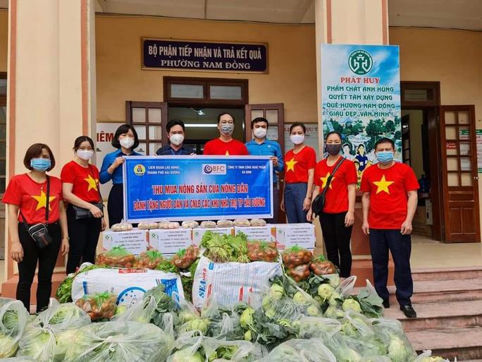 Hải Dương: Thu mua nông sản tặng công nhân ở trọ - Ảnh 1.