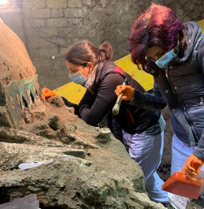 Đỏ mặt với báu vật nguyên vẹn từ thành phố bị chôn vùi 2.000 năm - Ảnh 2.