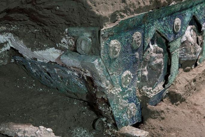 Đỏ mặt với báu vật nguyên vẹn từ thành phố bị chôn vùi 2.000 năm - Ảnh 1.