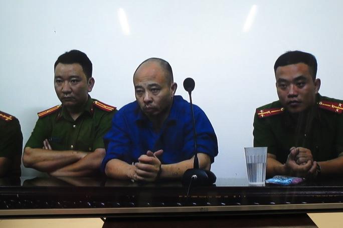 Đường Nhuệ cùng đồng bọn bị cáo buộc ăn chặn 2,5 tỉ đồng tiền hoả táng - Ảnh 2.