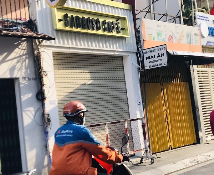 TP HCM: Chủ tịch phường Phạm Ngũ Lão nói về việc phong tỏa quán cà phê đường Bùi Viện - Ảnh 1.