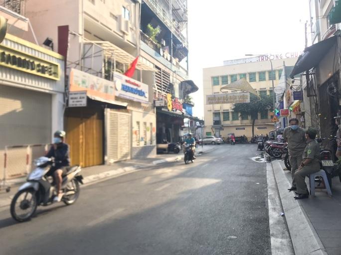 TP HCM: Chủ tịch phường Phạm Ngũ Lão nói về việc phong tỏa quán cà phê đường Bùi Viện - Ảnh 2.