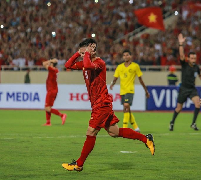 Vòng loại World Cup 2022: Hoãn trận Việt Nam - Malaysia - Ảnh 1.