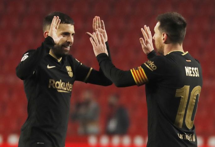 Barcelona chết hụt ở tứ kết Cúp Nhà vua, HLV Koeman thót tim - Ảnh 5.