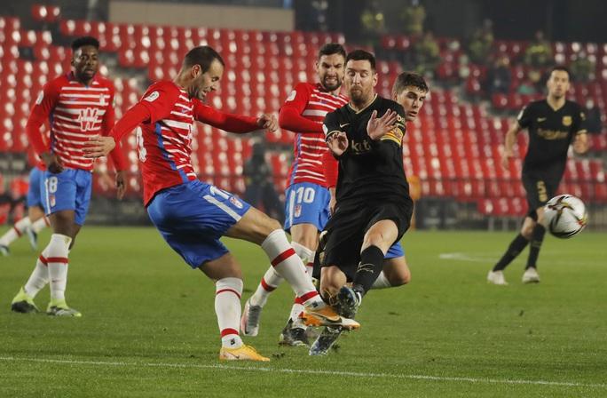 Barcelona chết hụt ở tứ kết Cúp Nhà vua, HLV Koeman thót tim - Ảnh 2.