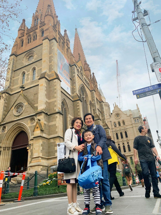 Nghệ sĩ hải ngoại tất bật chuẩn bị Tết Việt để đỡ nhớ quê hương - Ảnh 11.