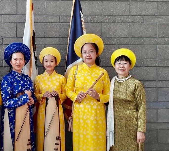 Nghệ sĩ hải ngoại tất bật chuẩn bị Tết Việt để đỡ nhớ quê hương - Ảnh 6.