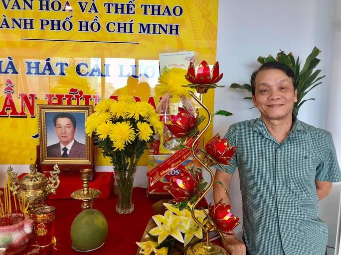 Nghệ sĩ tưởng nhớ soạn giả Trần Hữu Trang trong ngày giỗ - Ảnh 6.