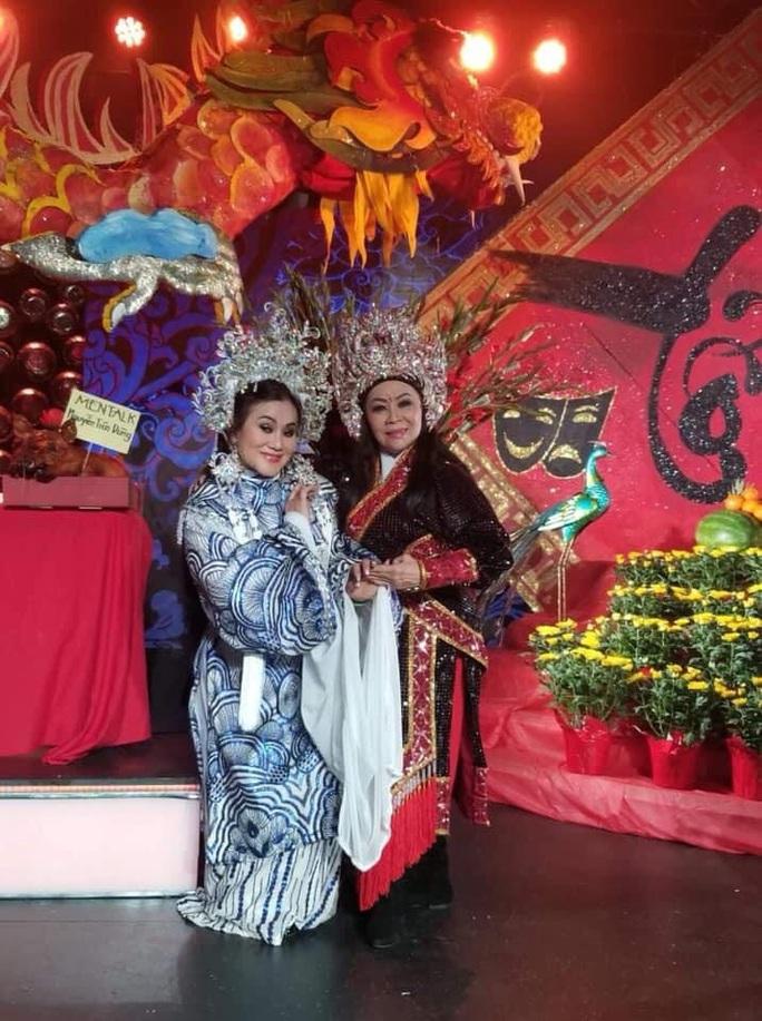Nghệ sĩ hải ngoại tất bật chuẩn bị Tết Việt để đỡ nhớ quê hương - Ảnh 3.