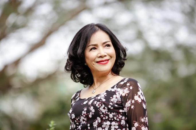 Nghệ sĩ hải ngoại tất bật chuẩn bị Tết Việt để đỡ nhớ quê hương - Ảnh 5.
