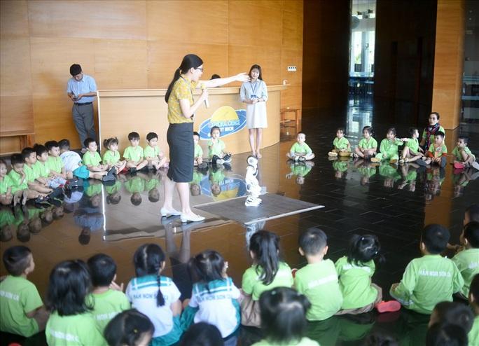 Độc đáo tour du lịch khám phá khoa học đầu tiên ở Việt Nam - Ảnh 1.