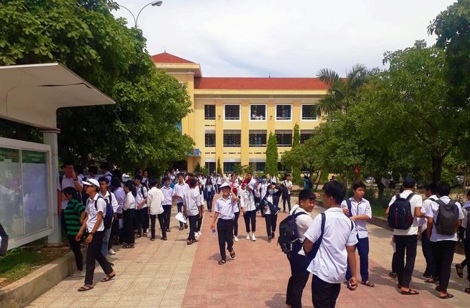 Công văn hỏa tốc ở Quảng Bình khiến phụ huynh, học sinh thích thú - Ảnh 2.