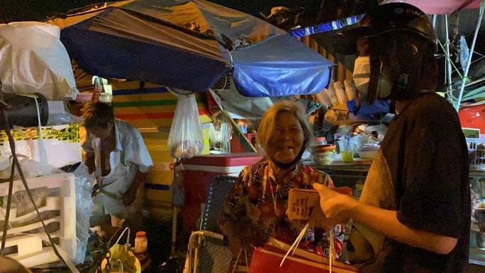 Bắt gặp hoa hậu Trần Tiểu Vy lang thang ngoài phố lúc nửa đêm và cái kết bất ngờ - Ảnh 14.