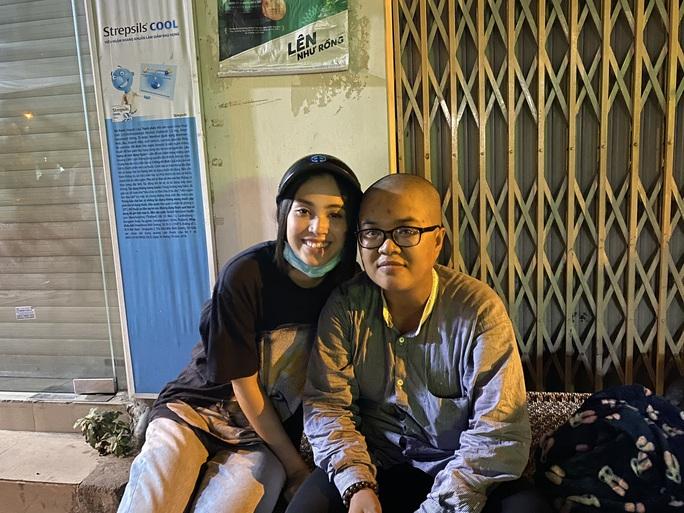 Bắt gặp hoa hậu Trần Tiểu Vy lang thang ngoài phố lúc nửa đêm và cái kết bất ngờ - Ảnh 13.