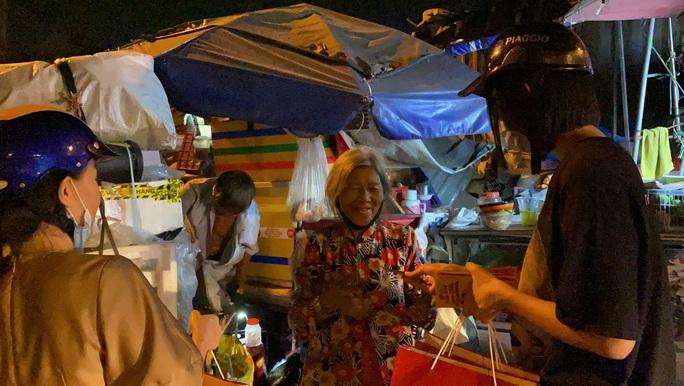 Bắt gặp hoa hậu Trần Tiểu Vy lang thang ngoài phố lúc nửa đêm và cái kết bất ngờ - Ảnh 3.