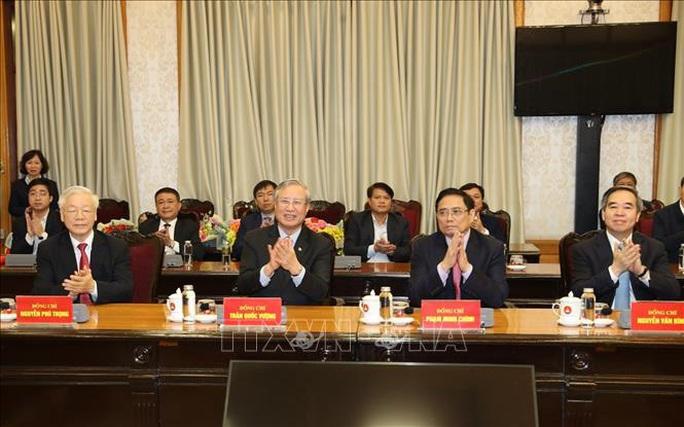 Chùm ảnh: Tổng Bí thư, Chủ tịch nước trao Quyết định phân công Ủy viên Bộ Chính trị - Ảnh 2.