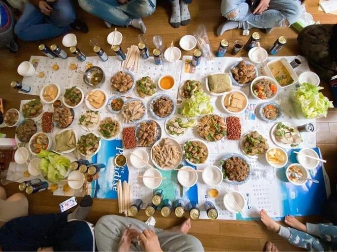 Dâu Tây, rể ngoại cùng ăn Tết Việt - Ảnh 10.