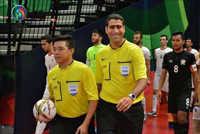 Trọng tài Trương Quốc Dũng tiếp tục điều hành tại World Cup Futsal - Ảnh 1.