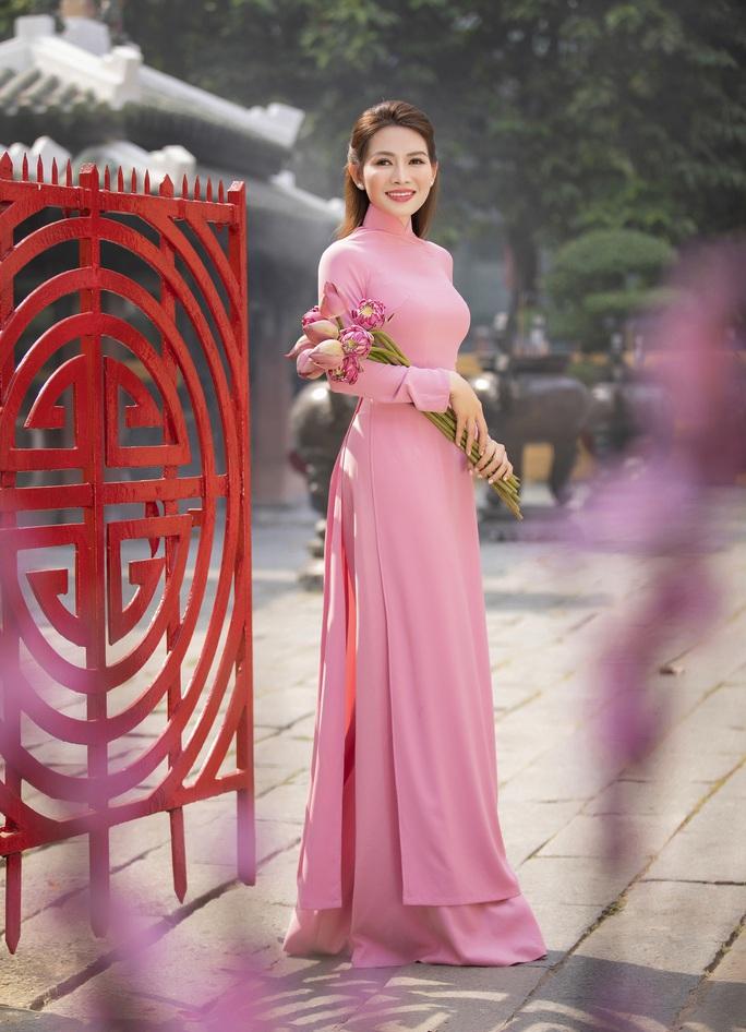 Thúy Diễm, Văn Phượng... khoe sắc rạng ngời đón Xuân Tân Sửu - Ảnh 40.