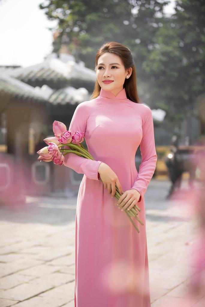 Thúy Diễm, Văn Phượng... khoe sắc rạng ngời đón Xuân Tân Sửu - Ảnh 39.
