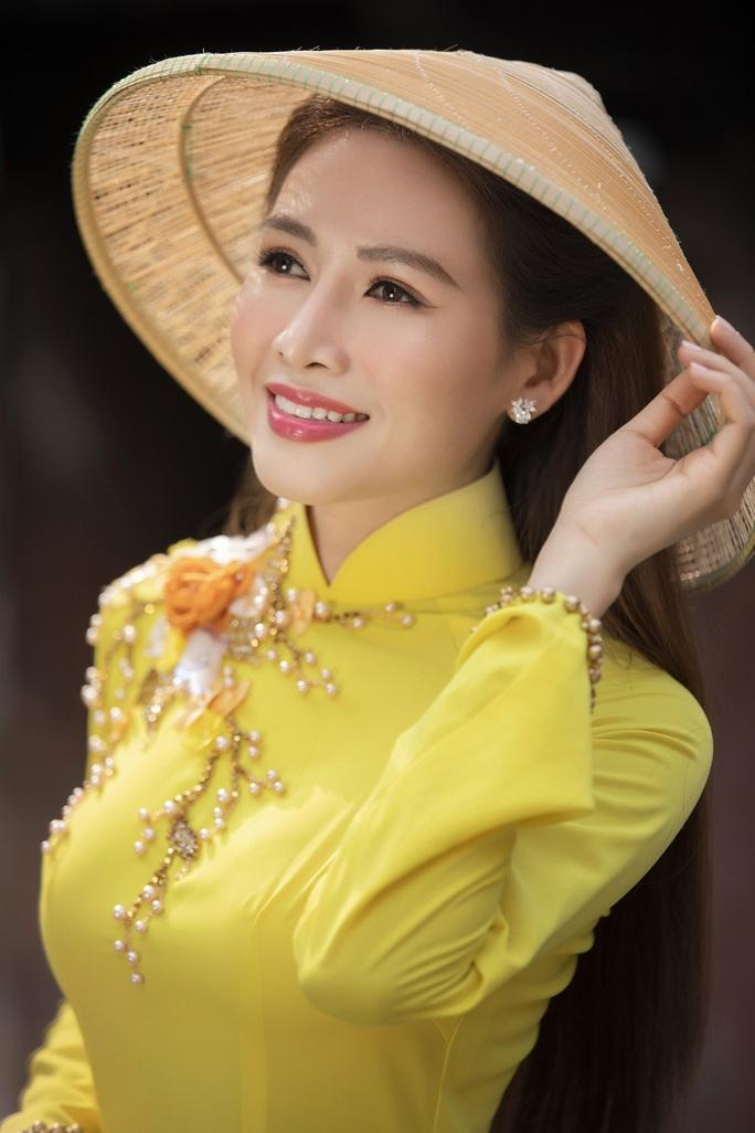 Thúy Diễm, Văn Phượng... khoe sắc rạng ngời đón Xuân Tân Sửu - Ảnh 36.