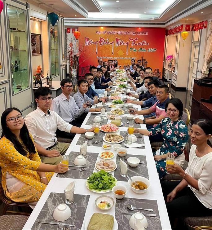 CLIP: Người Việt Nam ở nước ngoài đón Tết như thế nào? - Ảnh 15.