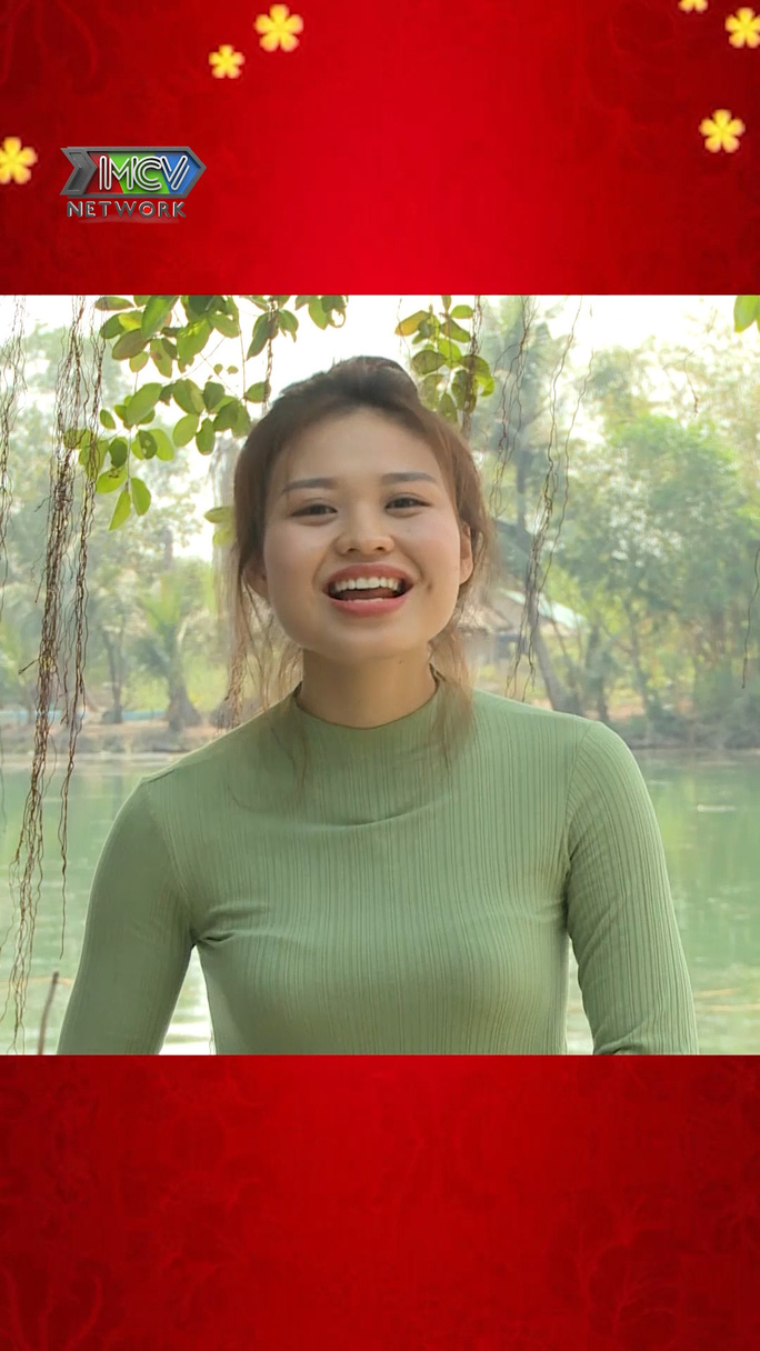 Dàn nghệ sĩ Việt chúc Tết khán giả trong Tết là để yêu thương - Ảnh 4.