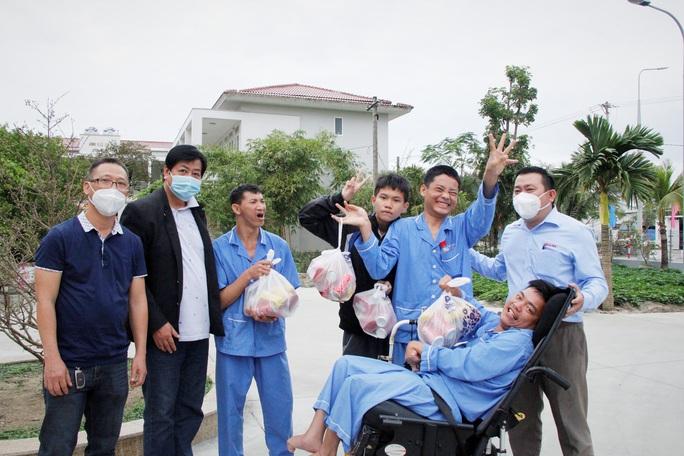 """Tết ấm cho người vô gia cư"""" đến với Trung tâm Bảo trợ xã hội Đà Nẵng - Ảnh 2."""