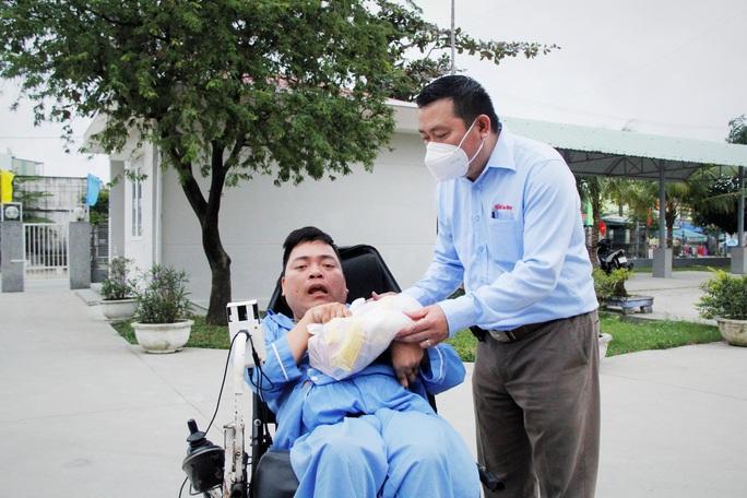 """Tết ấm cho người vô gia cư"""" đến với Trung tâm Bảo trợ xã hội Đà Nẵng - Ảnh 8."""