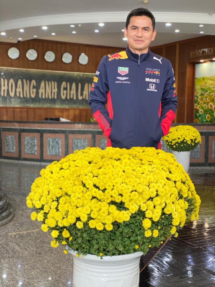 HLV Kiatisak thăm nhà bầu Đức, so sánh Tết Việt Nam - Tết Thái Lan - Ảnh 2.